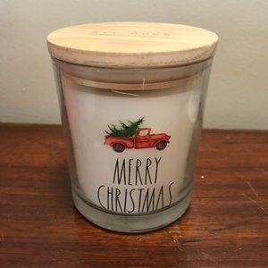 Rae Dunn Merry Christmas Candle 🎁